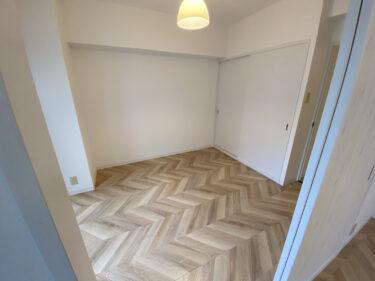 【賃貸住宅リノベ】床と壁を張り替えるだけでこんなに変わる