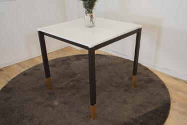海外で流行りのイケアハック!IkeaテーブルリメイクDIY