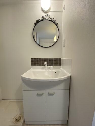 洗面台化粧台を低コストでおしゃれにする方法。DIYタイル【インテリア】