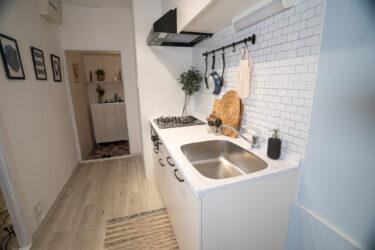 キッチン天板に大理石調シートを貼る!貼って剥がせるWALPAのシートで賃貸でもできる!DIYインテリア・セルフリノベ