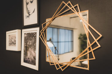 IKEAのミラーをリメイクしておしゃれインテリアに変身させるDIY方法!壁掛け鏡を簡単アレンジ!イケアハック・雑貨・小物・ハンギングウォールミラー